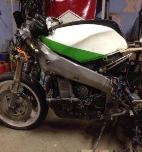 Kawasaki zx750