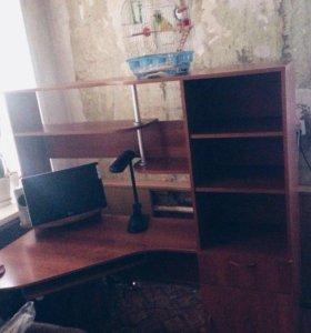 Компьютерный стол,угловой