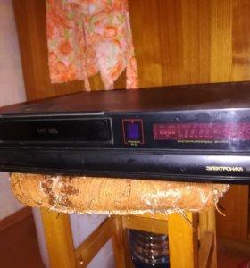 Видеомагнитофон Электроника ВМЦ 8220