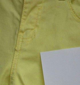 Ярко-желтые шорты