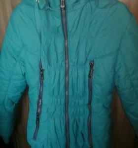 Осенне-весенняя куртка на девочку.