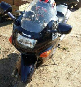 Kawasaki zz r 400