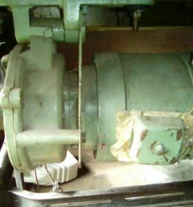 Двигатель 380