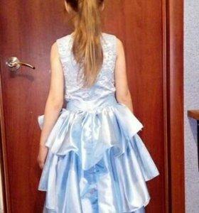 Платье детское. 2в1 одето один раз. Торг уместен.