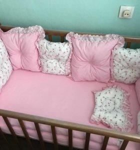 Комплект бортиков в кроватку для девочки