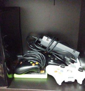 Xbox 360 Slim 250Gb 2 джоя +аккумы +зарядка