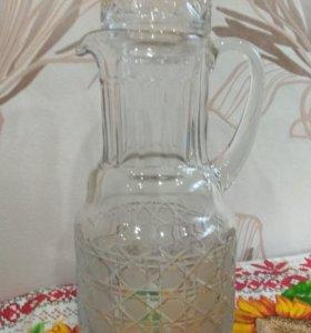 Кувшин со стаканом