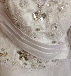 Свадебное платье,фата и перчатки