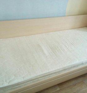 Односпальная кровать с ортопедическим матрасом