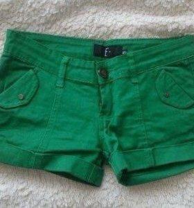 Шорты джинсовые зеленые