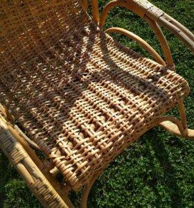 Плетеные кресла из ратанга