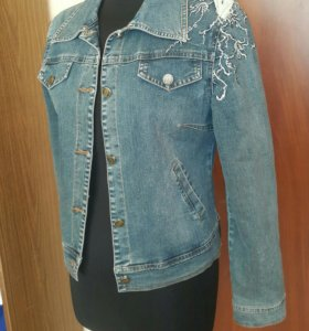 Джинсовая куртка в отл сост 46 размер