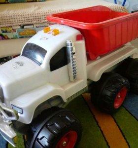 Самосвал грузовик