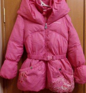 Курточка на девочку 6-8лет
