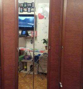 Шкаф купе  угловой и камод