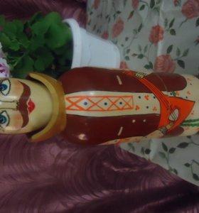 Деревянная фигурка для бутылки