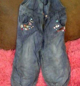 Комбез джинсовый на девочку 7-9 лет