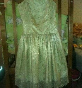Продам замечательное платье