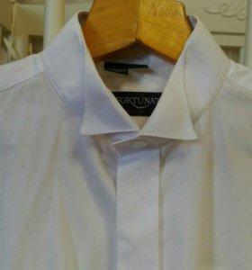 Белая рубашка под бабочку на пуговицах