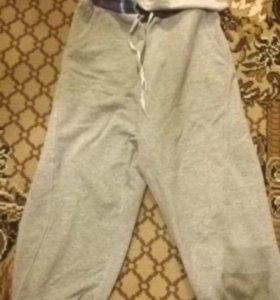 Фирменные спортивные штаны. (Фирма Puma)