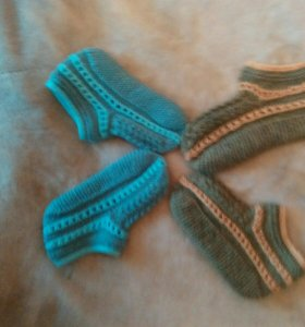 Вязаные следки и носки