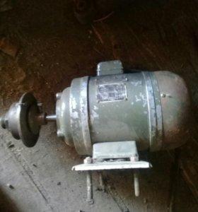 Продам электро двигатель на 220 вольт