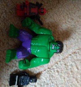 Минифигурки lego халк, дедпул и чëрная пантера