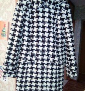 Пальто молодежное новое 46 размер