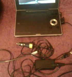 """Toshiba SD-P1900 Portable DVD Player (9"""")"""