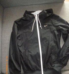 Ветровка Nike р.xs