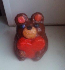 Медведь с сердцем.