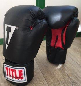 Боксёрские перчатки title