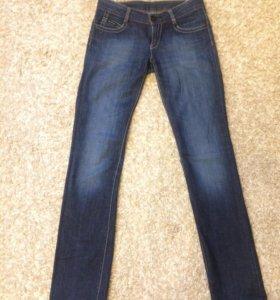 Женские джинсы Calvin Klein 26