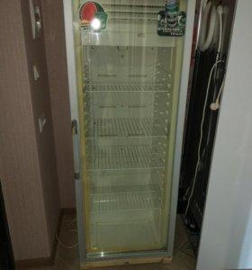Холодильник для напитков со стеклянной дверью