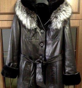 Зимняя кожаная куртка с меховой подкладкой OUPAQI