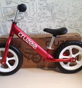 Беговел Cruzee balance bike (RED/красный) новый