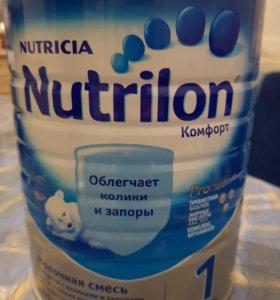 Молочная смесь 900гр.Nutrilon Комфорт 1