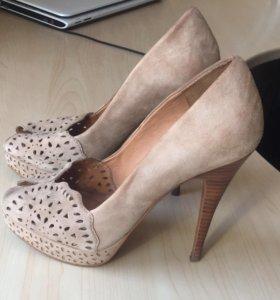 Туфли замшевые. Натуральная кожа.