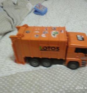 Игрушка функциональная мусорная машине с баками