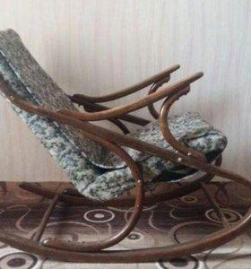 Кресло качалка массив дерева Торг Отправляю по Рос