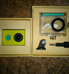 Экшен камера Xiaomi YI + крепления