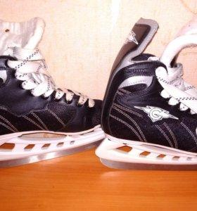 Коньки хоккейные новые