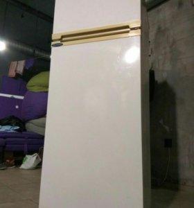 Холодильник Ardo 140 см