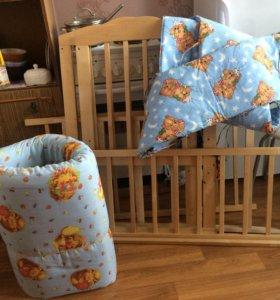 Детская кроватка в хорошем состоянии, с матрасом.