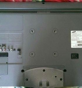 Samsung UE28F4000AW