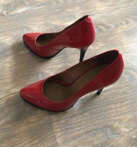 Туфли красные. MARCONY