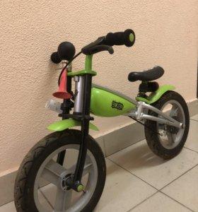 Беговел Biker