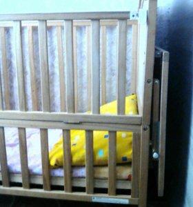 Кроватка натуральная порода дерева