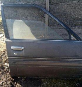 Дверь со стеклом на авто Карина, кузов АТ-150