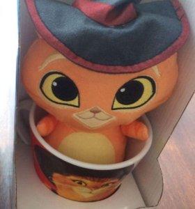 Кот в сапогах, игрушка в кружке магнит